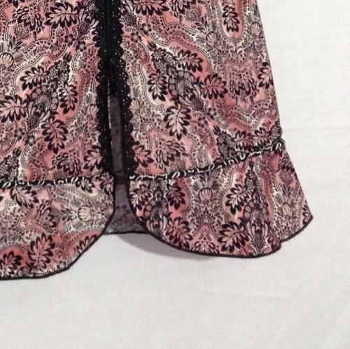 skirt with filaine serger edge