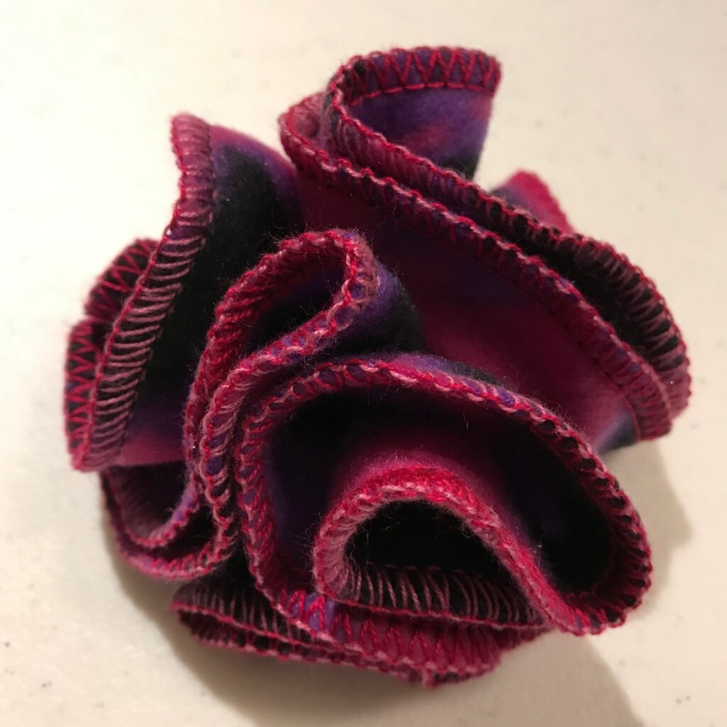 Filaine flower brooch