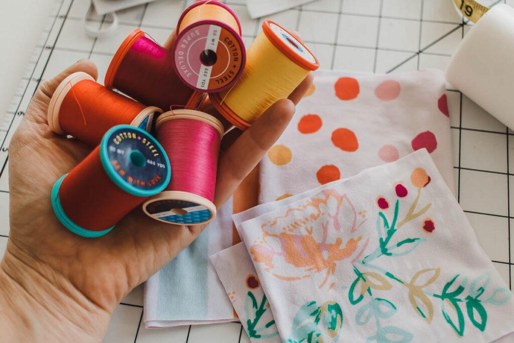 sew a scrunchie threads