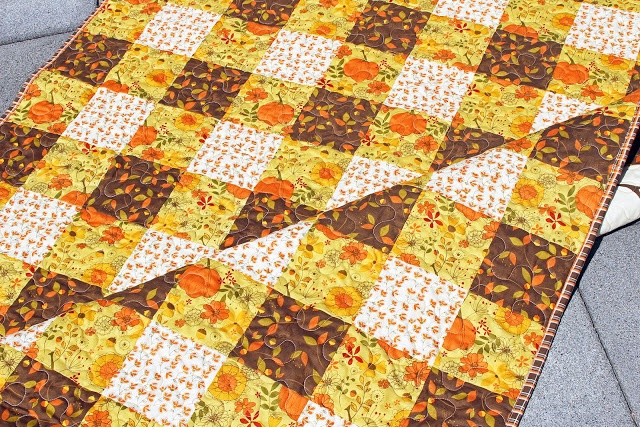 give thanks gingham quilt front