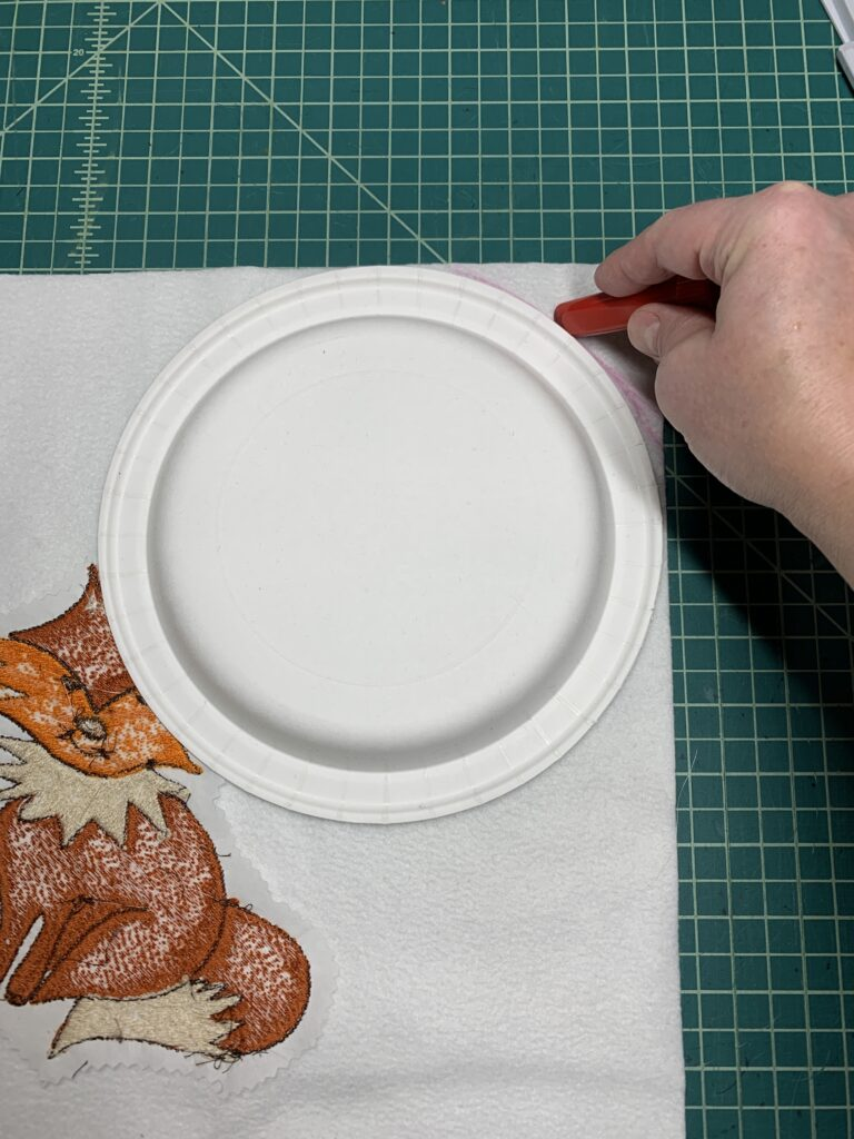 round pillow corners with plate