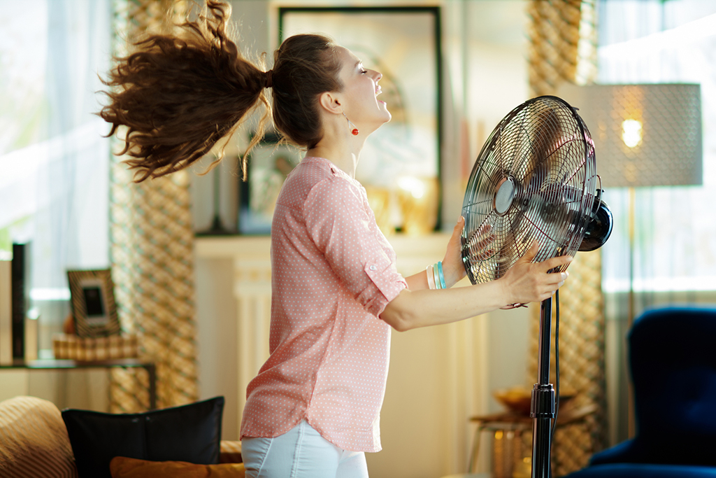 3-Common-Signs-That-You-Need-Call-an-Air-Conditioning-Repair-Company-to-Check-Your-AC-Unit's-Coolant-_-St.-Paul,-MN