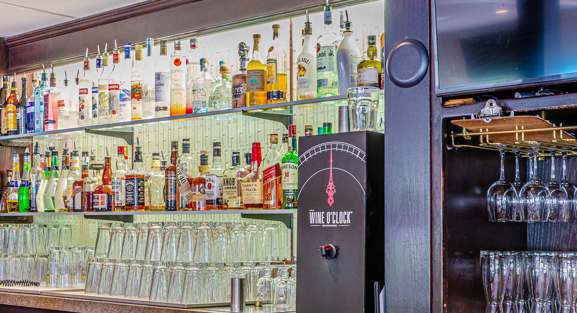 Creek Side Pub and Grill_bar
