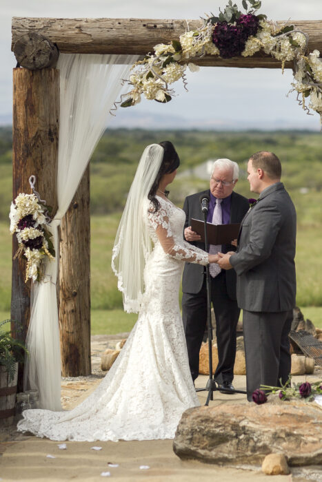 intimate oklahoma wedding altar