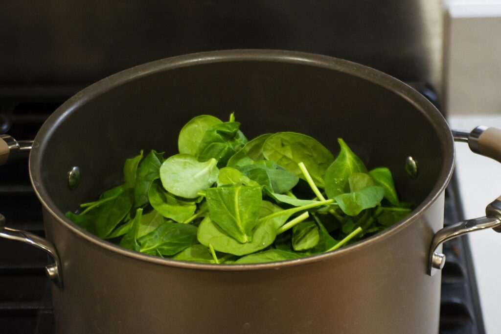 boiling spinach