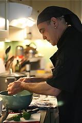 Chef Lester Esser