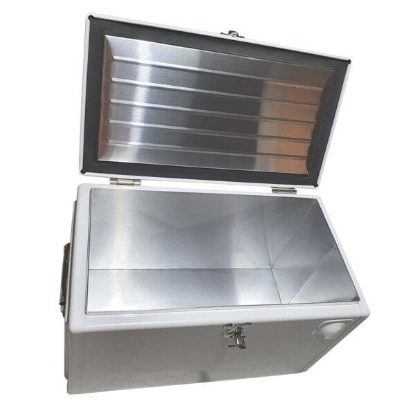 Retro Esky 20lt Chest Retro Cooler - White - Interior