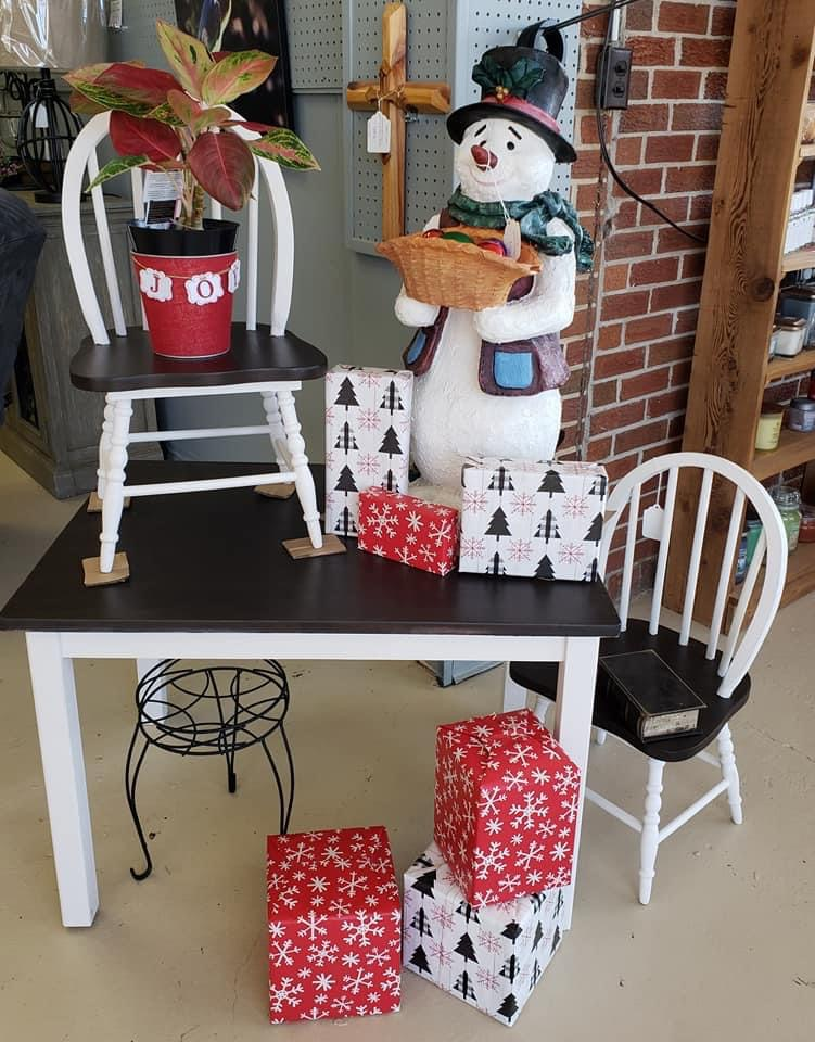 Snowman and tabletop decor