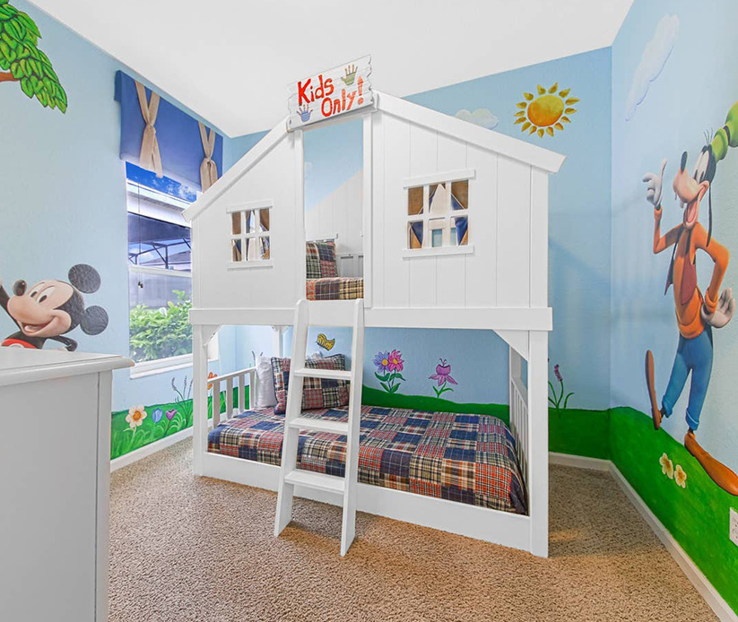 orlando-themed-bedroom-mickey