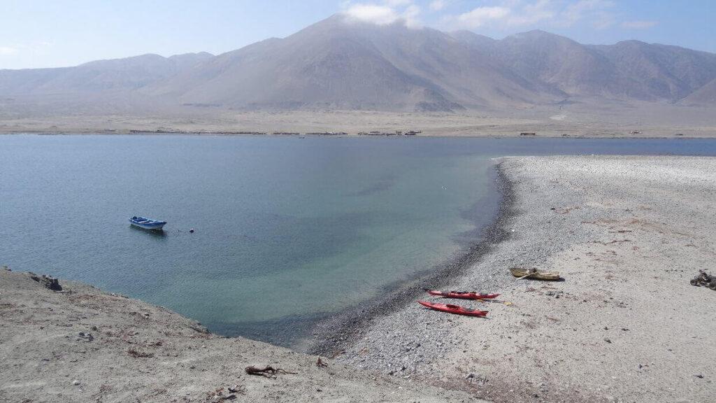vista desde la isla santa maria hacia el morro moreno peninsula de mejillones nortexpediciones
