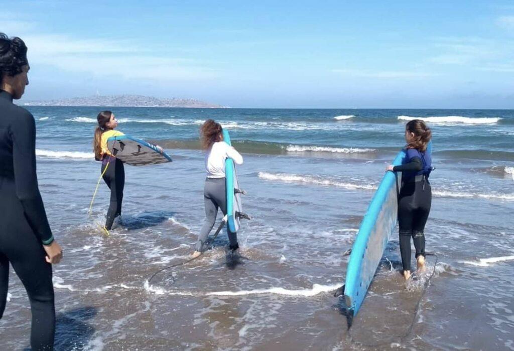clase surf en la serena evolutive escuela deportiva