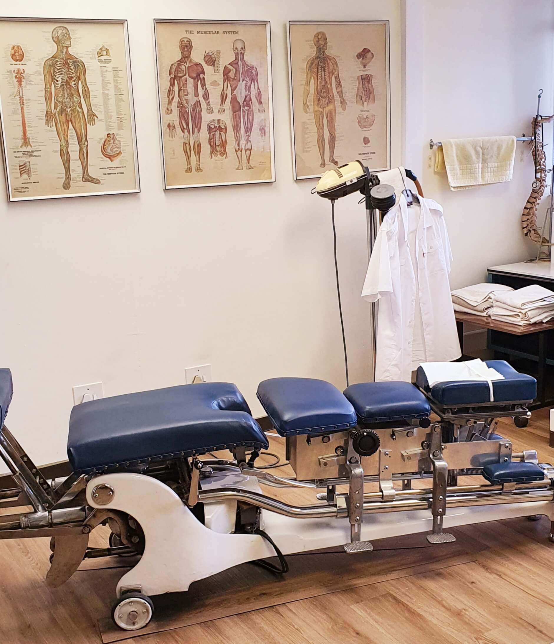 Thompson Chiropractic table 2