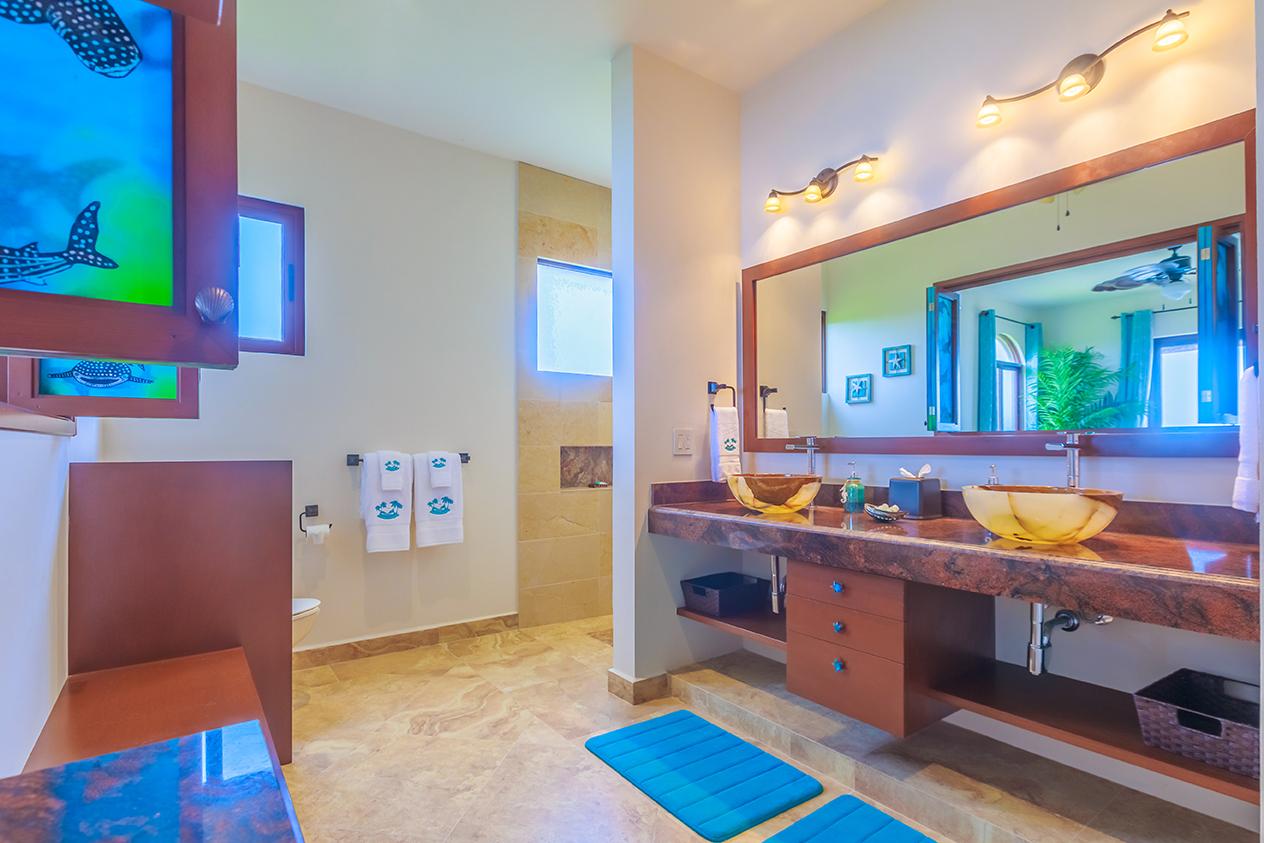 Whale Shark En-Suite Bath