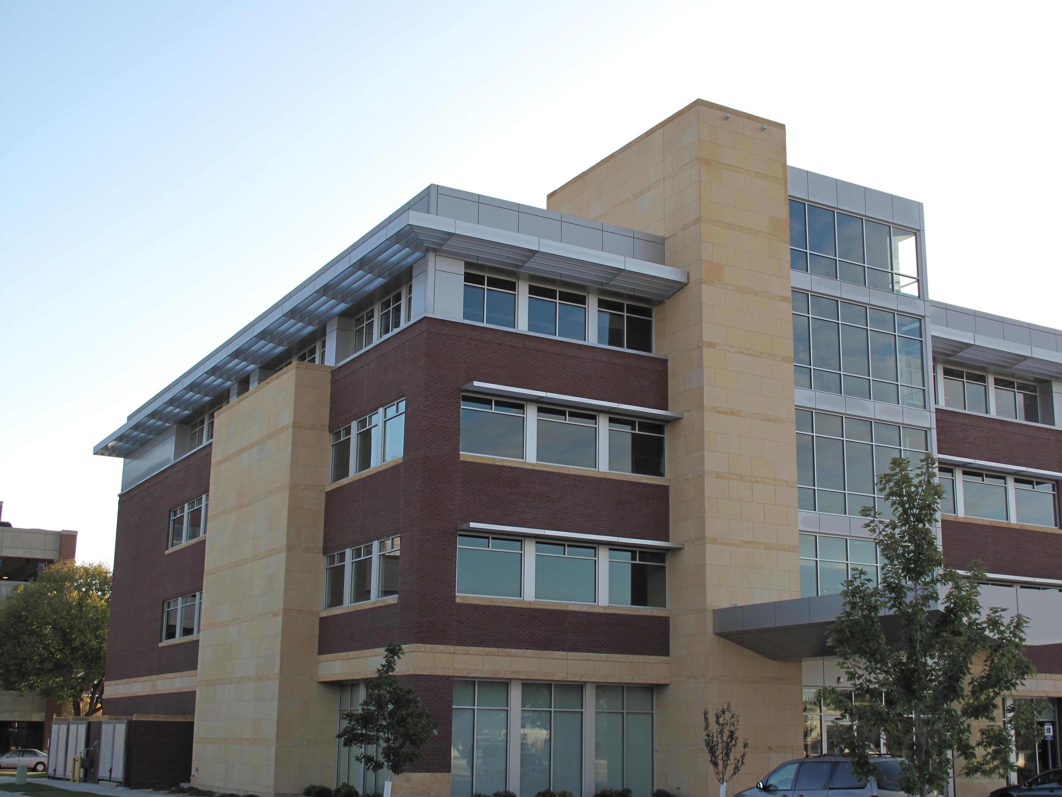 Cedar Rapids Mercy Medical Office Building