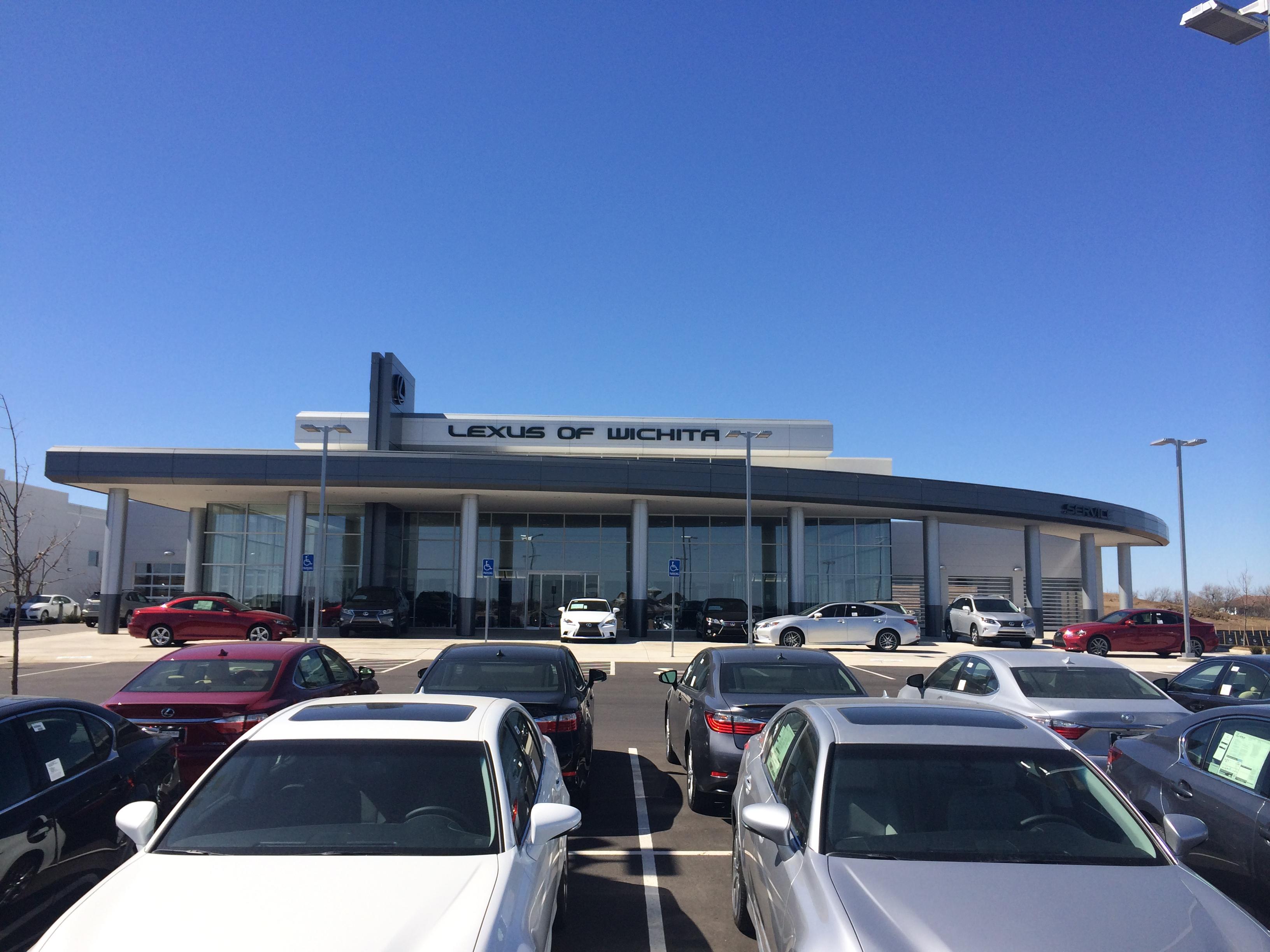 Lexus of Wichita (Wichita)