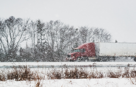 Winter driving safety tips for truck drivers.