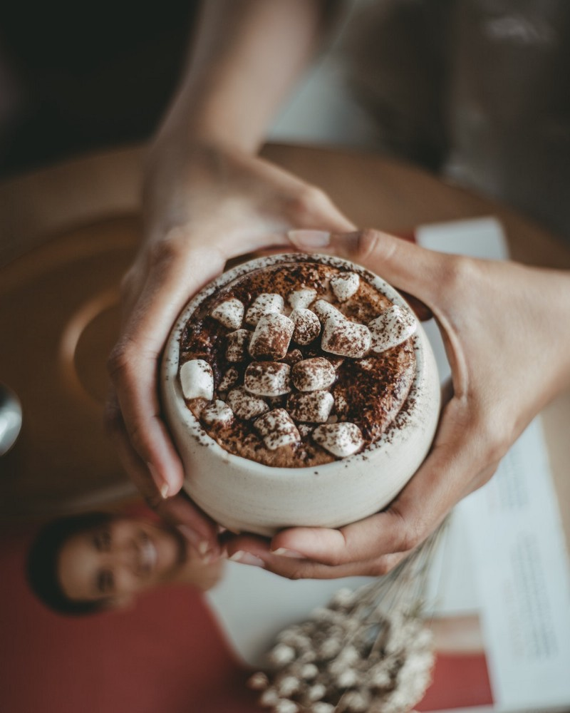 Roasted Marshmallow with Hot Chocolate