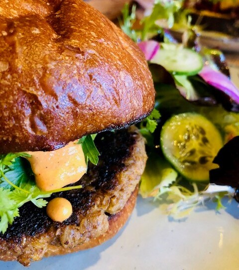 Oyster Mushroom Burger (V)