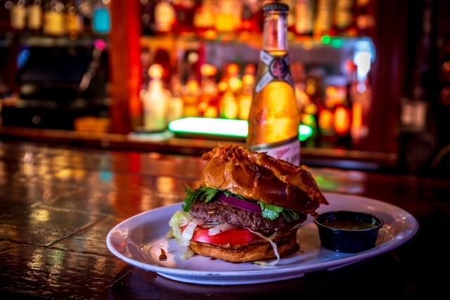Burger Don Chendo Combo