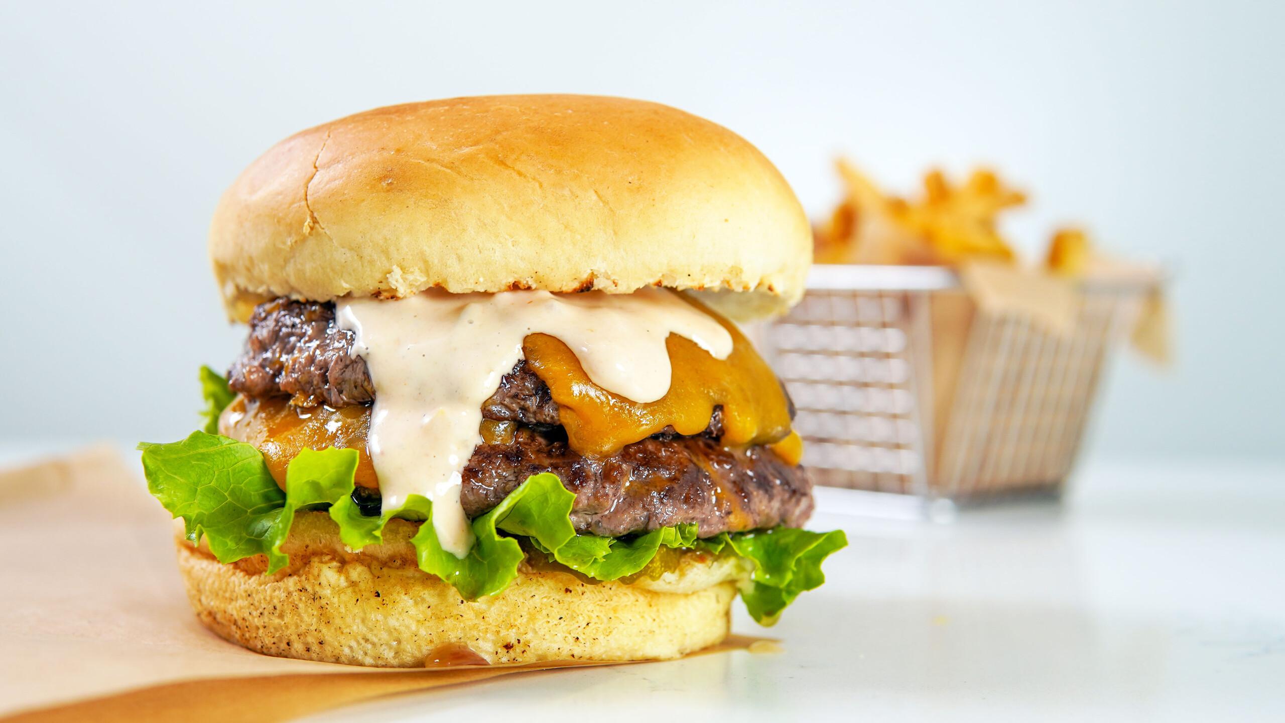 Double Polly Cheeseburger