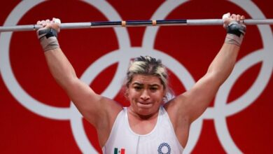 Gobierno de Baja California entrega un cheque vacío a medallista de Tokio 2020