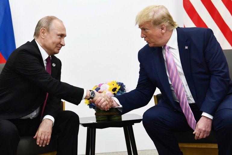 Carta describe posible complot que urdió escándalo Trump-Rusia