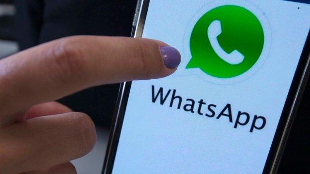 Paso a paso: Cómo probar el nuevo buscador de stickers de WhatsApp