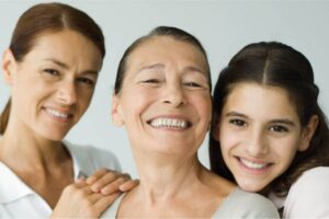 Cómo envejece tu cara con la edad (más allá de las arrugas)