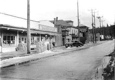 1930s Mill Street Looking East