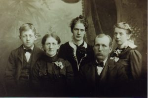 Front row: Samantha Bush Wold Prue and Paul Prue. Back row: siblings Edgar Prue, Bertha Wold Baxter, and Edna Prue Anderson.