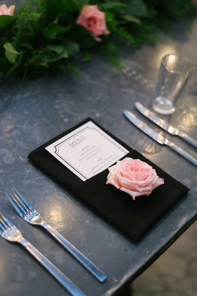La-vie-en-rose-tampa-florida-wedding-gorgeous-decor-white-pink-garden-flower-elegant-oxford-exchange
