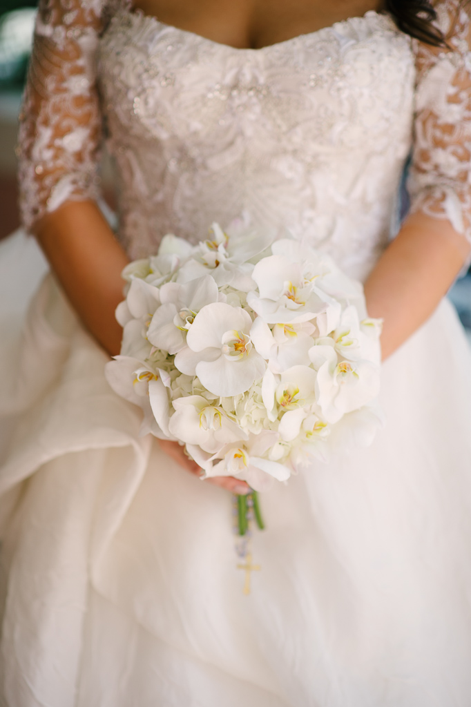 La-vie-en-rose-st-pete-florida-wedding-bride-bouquet-ceremony-white-ivory-orchid-flower-elegant-vinoy