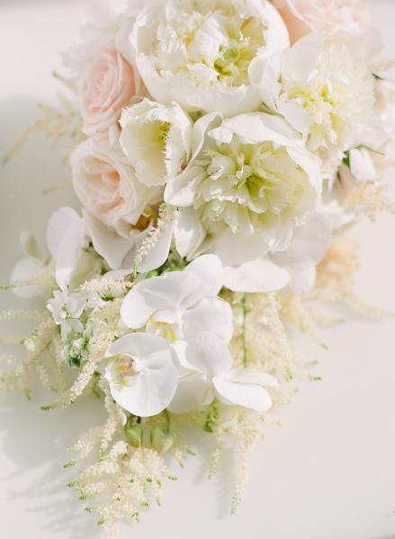 La-vie-en-rose-miami-florida-wedding-gorgeous-bride-bouquet-ceremony-white-ivory-peony-garden-orchid-tulip-elegant-elegant-ritz-carlton-south-beach