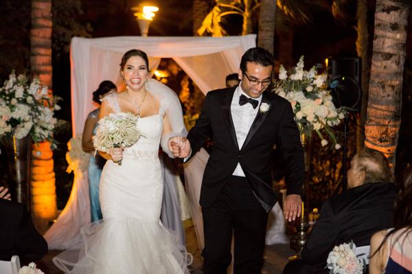La-vie-en-rose-miami-florida-wedding-gorgeous-ceremony-arrangement-white-ivory-blush-hydrangea-tulip-flower-eucalyptus-elegant-ritz-carlton-south-beach