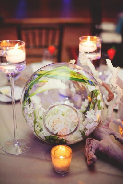 La-vie-en-rose-clearwater-beach-florida-wedding-gorgeous-reception-white-ivory-green-calla-garden-tulip-flower-grapewood-elegant-sandpearl