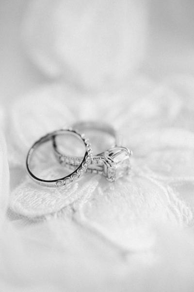La-vie-en-rose-st-pete-florida-wedding-ceremony-white-ring-elegant-vinoy
