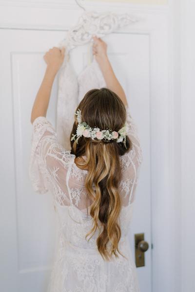 La-vie-en-rose-design-wedding-flower-hair-piece-boca-grande-gasparilla-inn