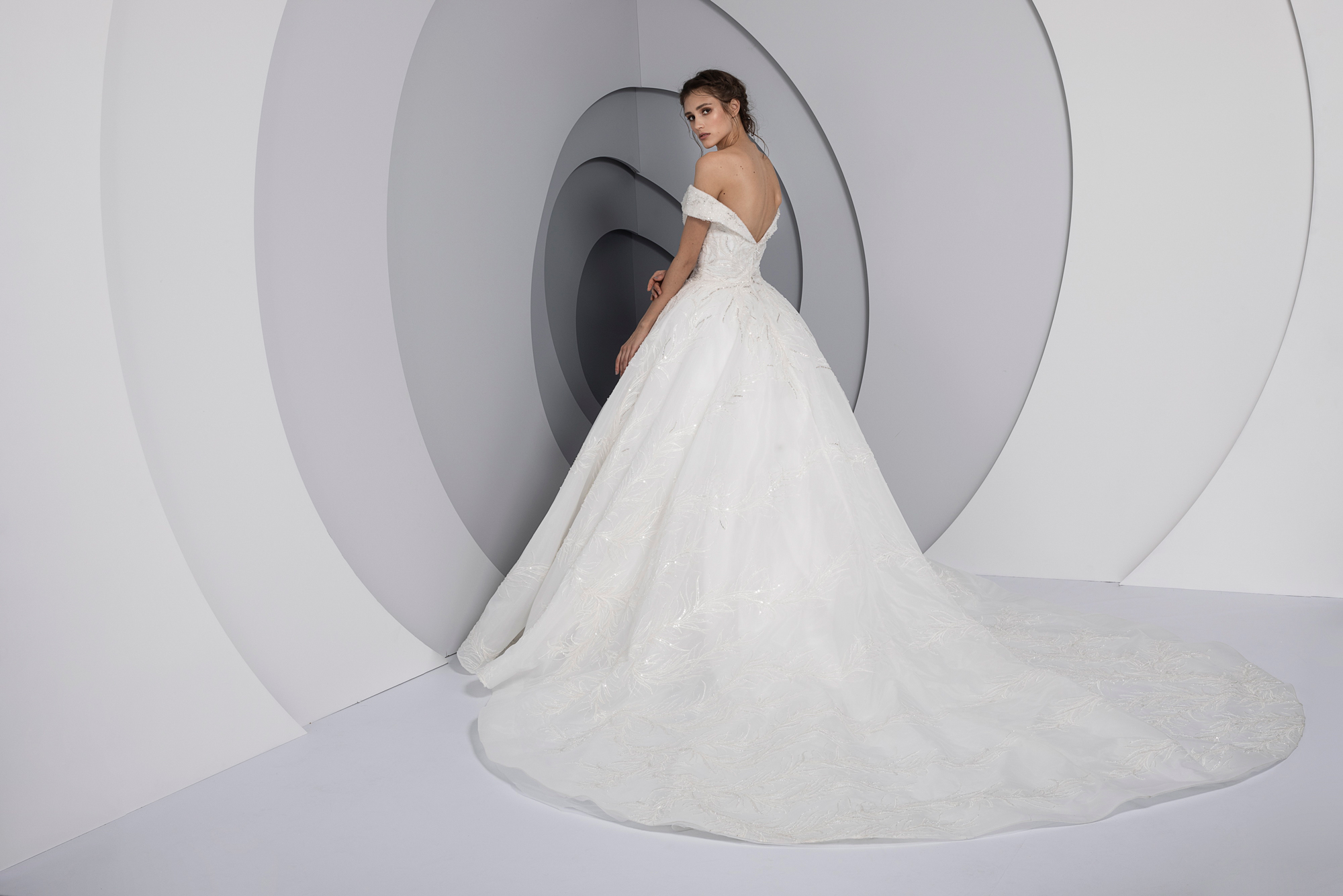 Swing by Tony Ward from the La Mariee Collection