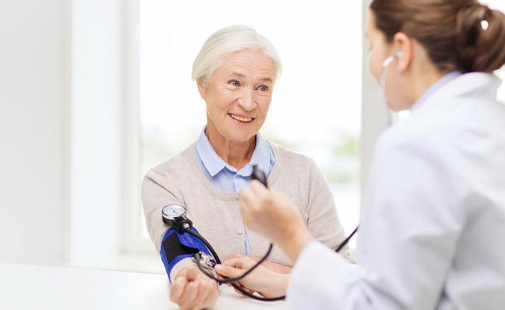 Quais cuidados devo ter na menopausa?