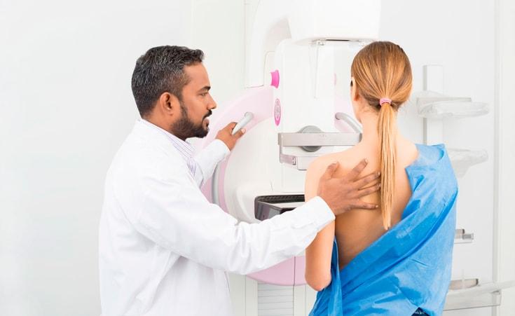 Com quantos anos devo fazer mamografia?