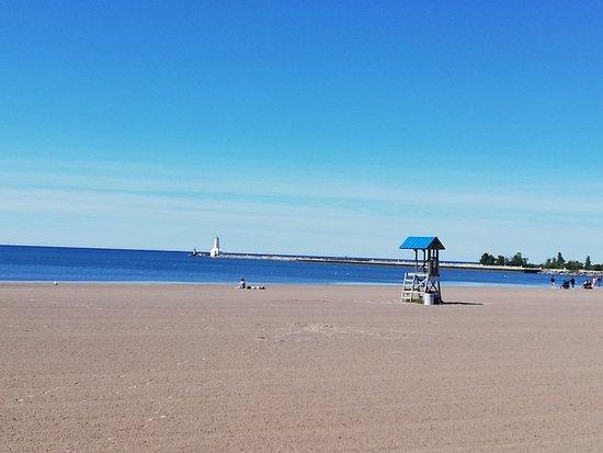 cobourg-beach