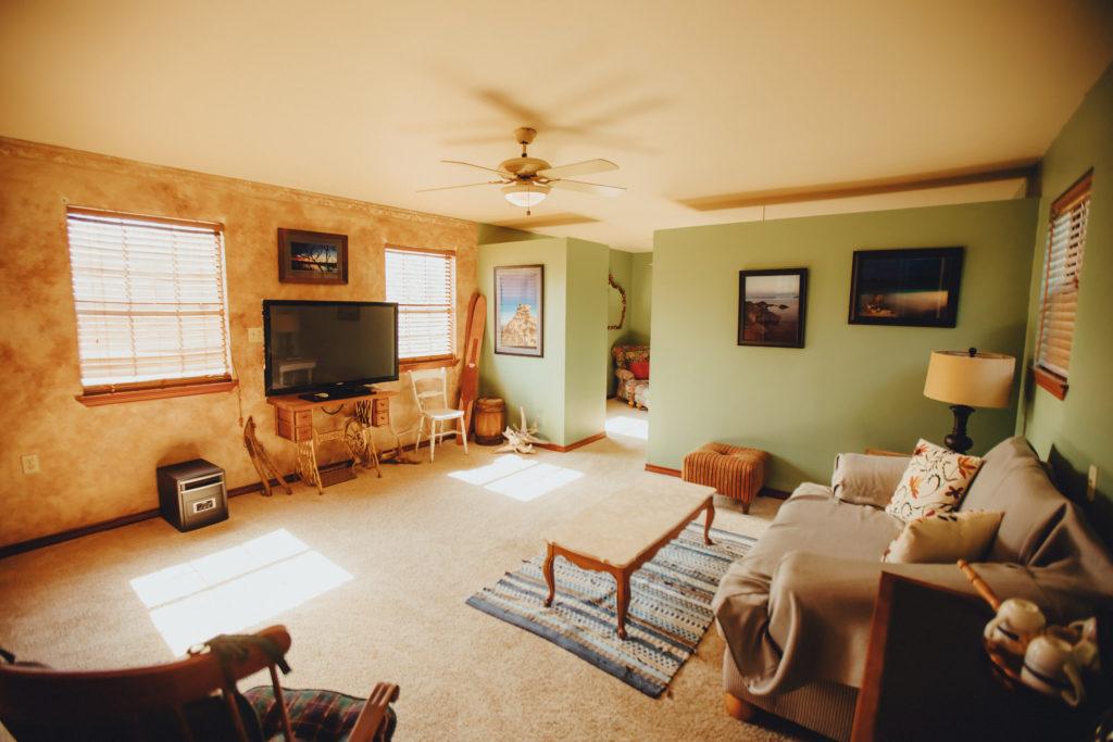Living room (satellite TV)
