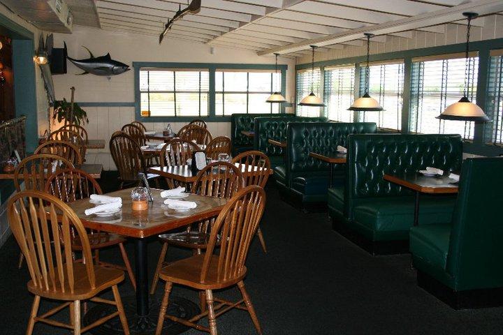 Pineda Crossing Bar & Grill