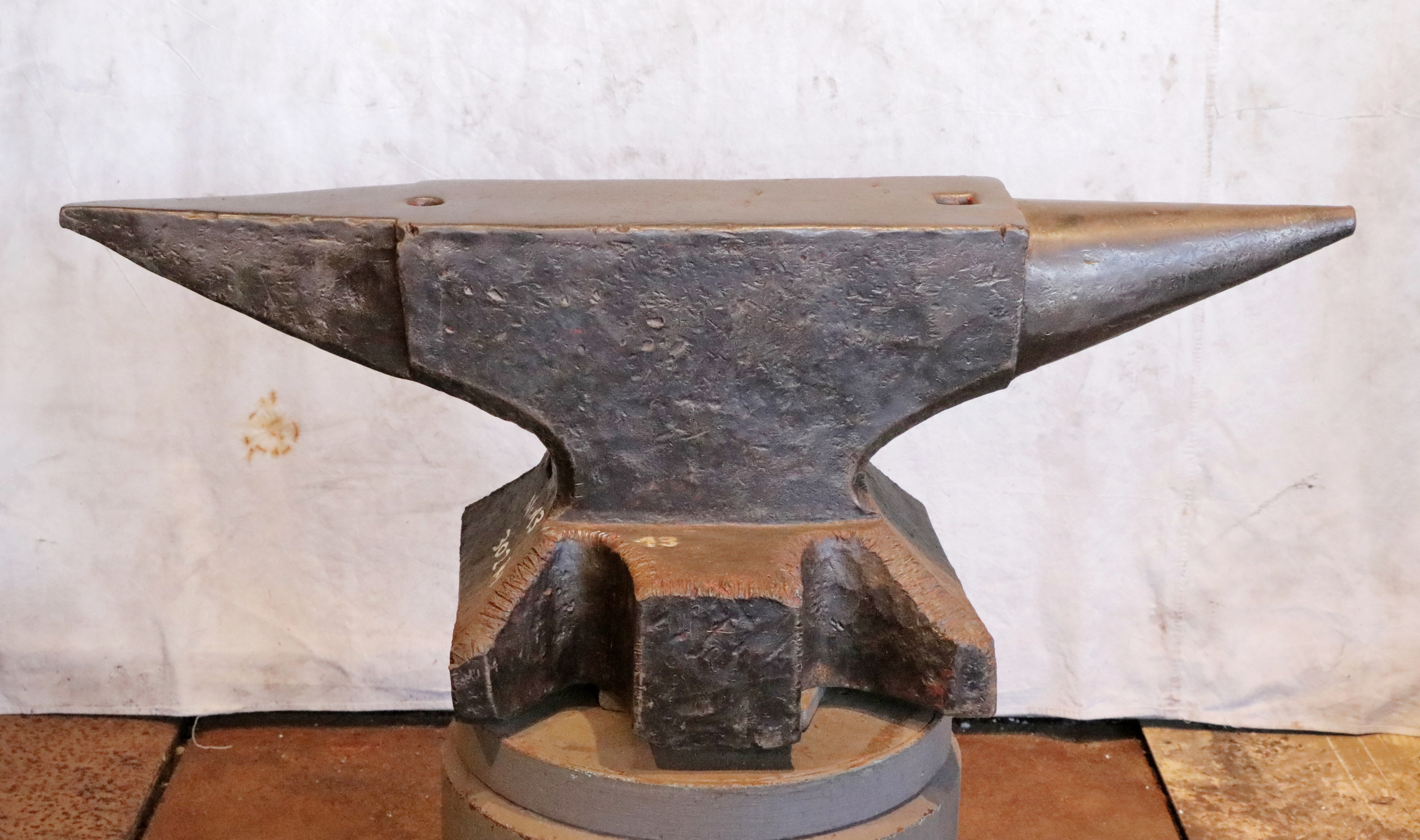 664 lb German anvil for sale - North German double horn blacksmith anvil