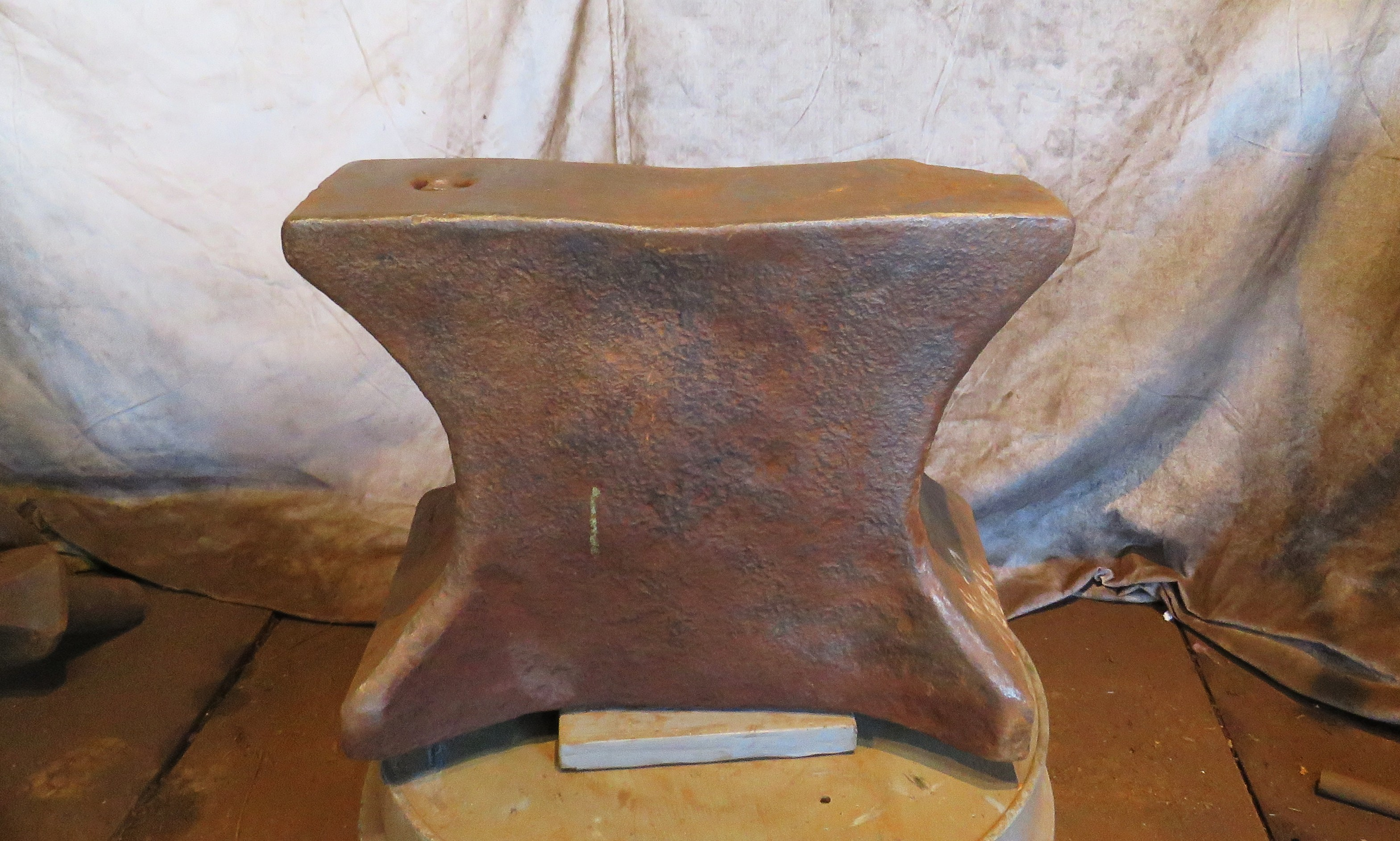 413 lb classic Church Windows anvil for sale - mid 19th century, showing almost 2 centuries of wear and tear