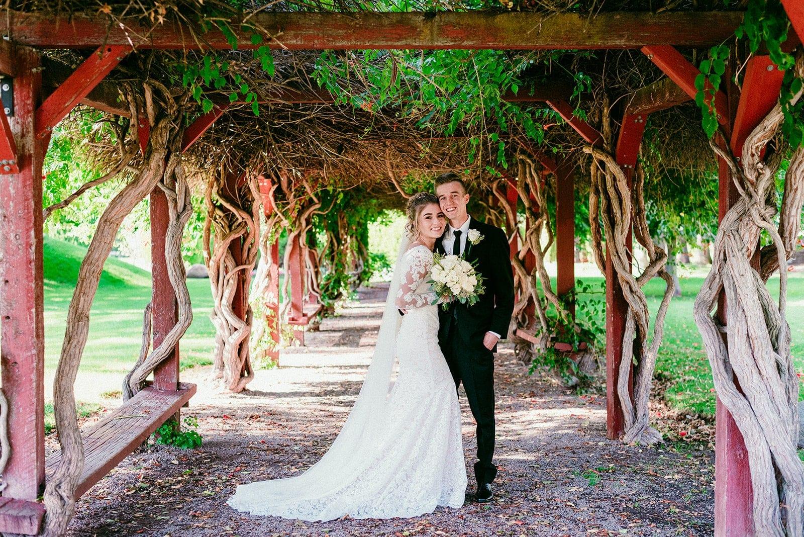love brittny wedding photography international peace garden