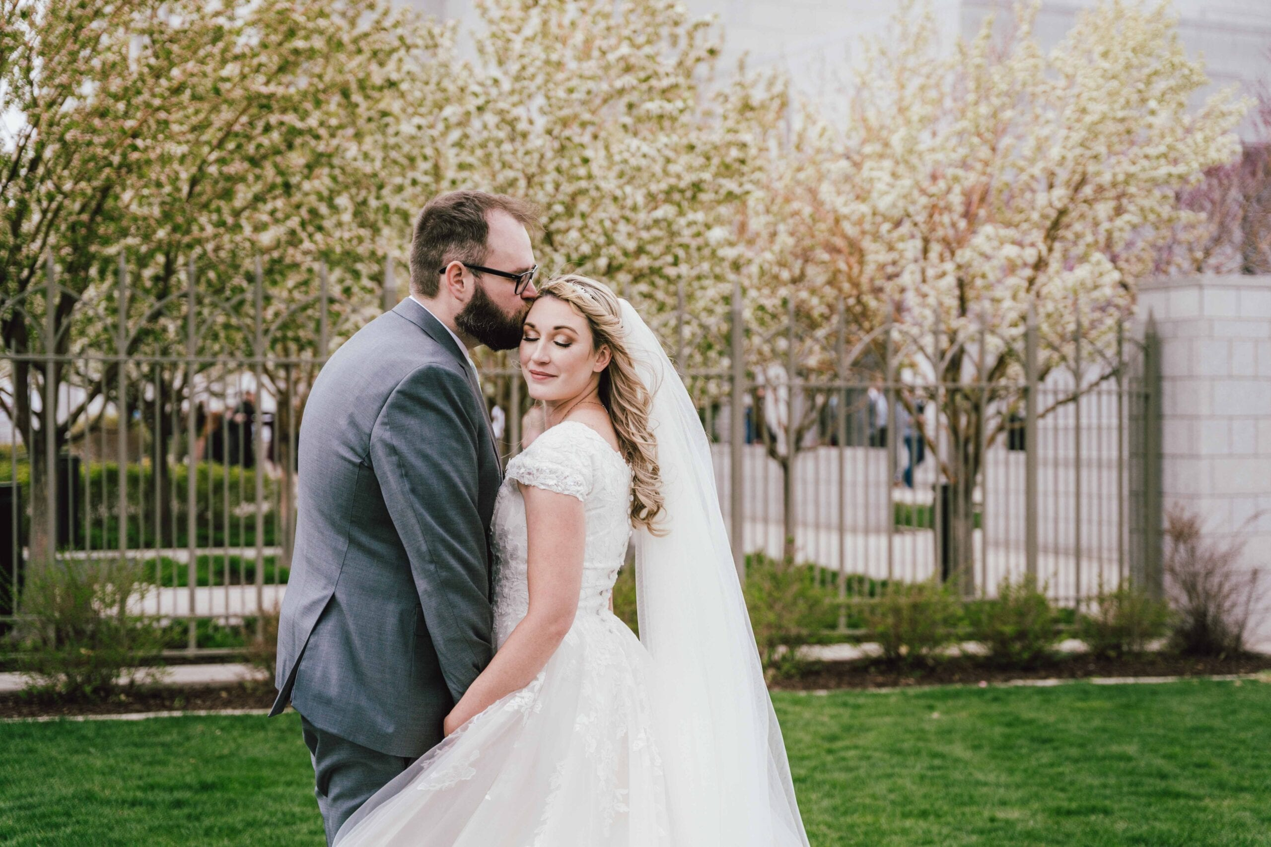 love brittny lds temple wedding kiss