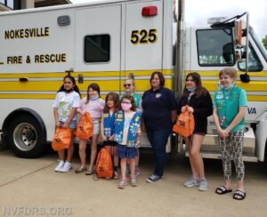girl-scout-donation-wagnO2 (4)