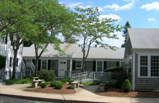 OFFICE SUITES LEASED TO A MORTGAGE COMPANY