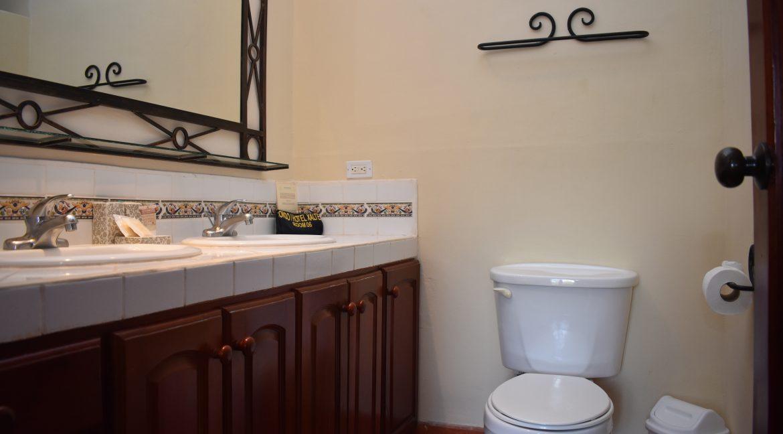Nicaragua+Real+Estate+Xalteva+Condo+home (9)